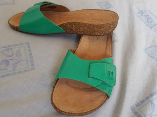 084b1c47e Brand New Clarks Artisan Leather Flat Sandals size 4 cheapest on ebay